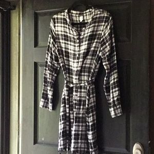 Gap Black and White Flannel Dress